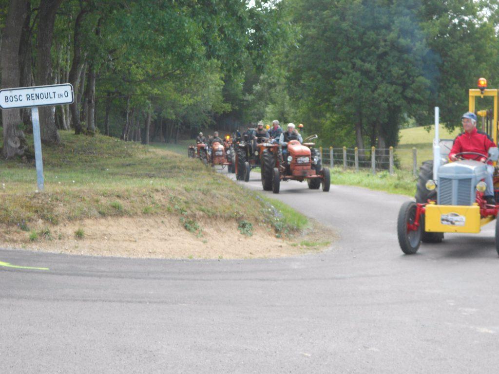 Défilé de Tract'Eure de passage au Bosc-Renoult 20 août 2017