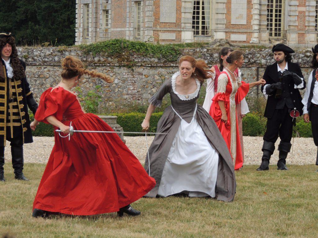 Aurore de Nevers se défend face à l'usurpatrice Flore, mais Lagardère veille... juillet 2017