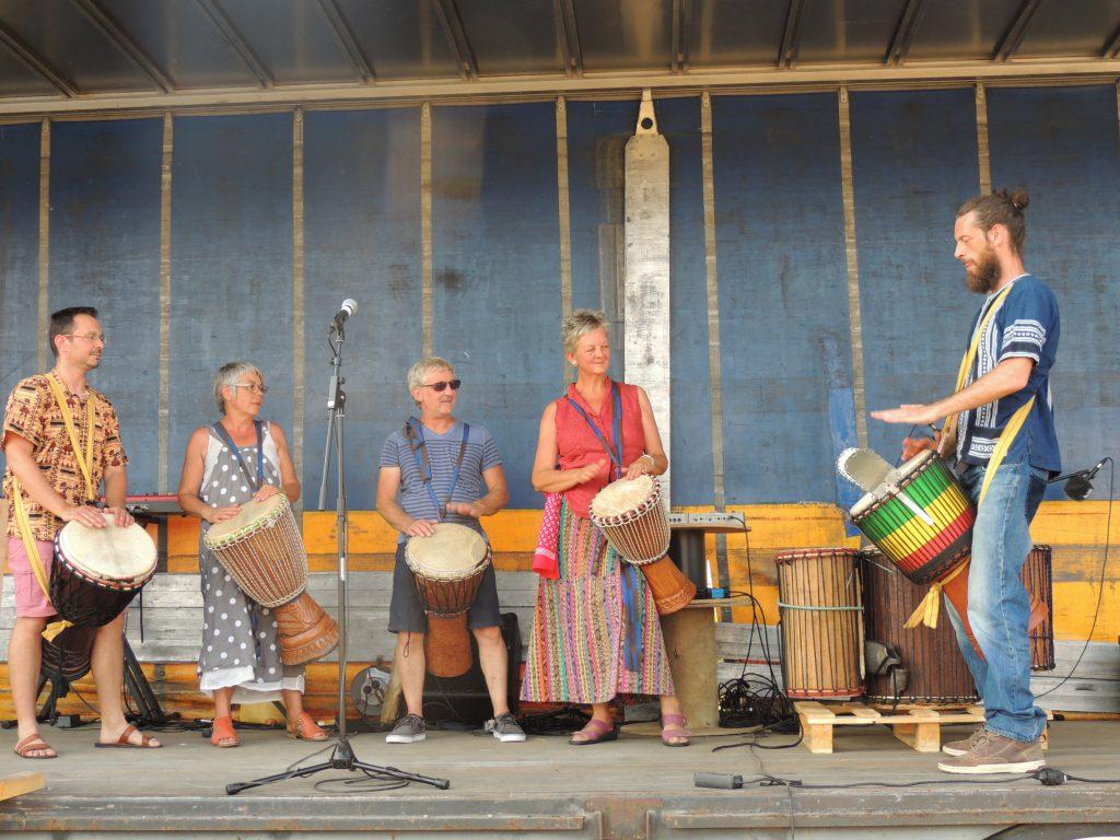 Juin 2017 1ère fête de la musique de Mesnil-en-Ouche avec Nicolas Lemire et son Djembé